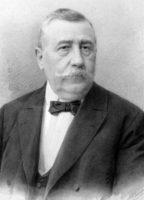 Na počátku byl vojín a truhlář Martin Petrof, rodem z ruského Tomsku