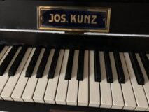 KUNZ J.